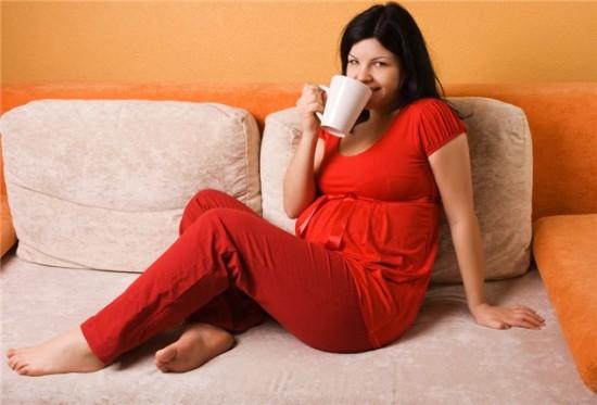 Кофеин опасен на первых месяцах беременности