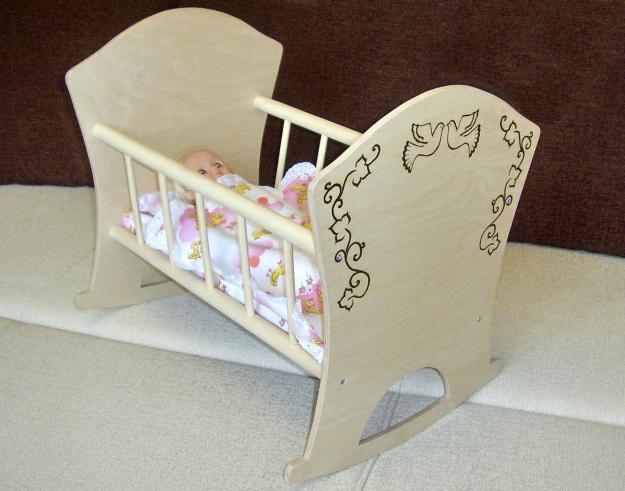 Сделать своими руками кроватку для куклы