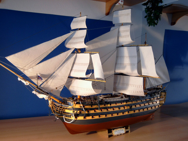 Макет корабля из дерева