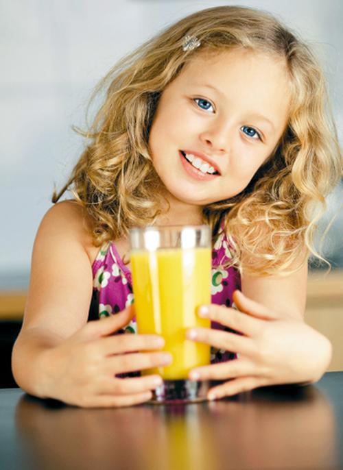 Соки опасны для детских зубов