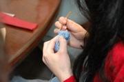 Как научить ребенка вязать крючком