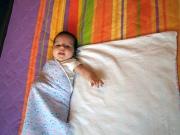 Пеленание новорожденного видео с головой