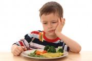Как научить ребенка самостоятельно есть