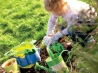 Детский отдых: развиваемся на грядке